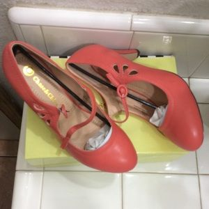 NEW.      Shoes Style vintage